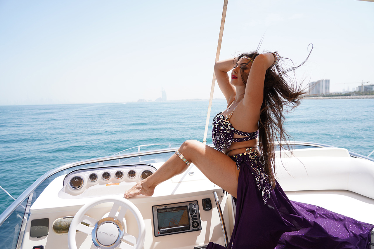 Professional bellydancers with LSB Charter - Photo 2