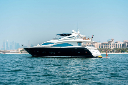 Rent Notorious yacht in Dubai